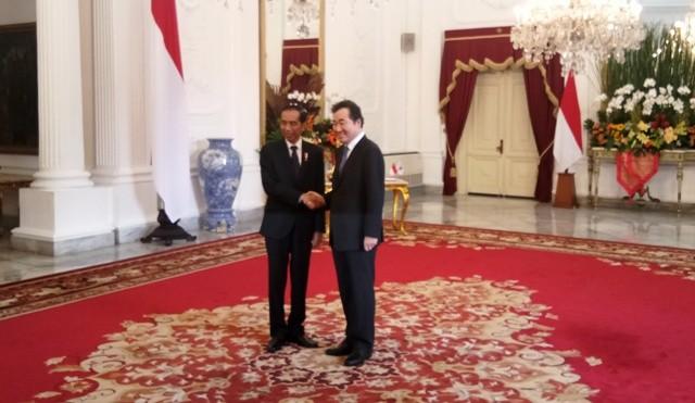 President Joko Widodo and South Korean Prime Minister Lee Nak-yeon (Photo:Medcom/Achmad Zulfikar Fazli)