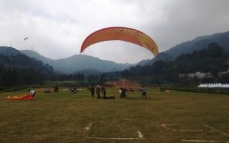 Tim Paralayang Indonesia Unggul di Hari Pertama