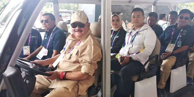Gubernur Sumatra Selatan Alex Noerdin, saat berkunjung ke main press center (MPC) di Gedung Sriwijaya Promotion Center (SPC) Jakabaring, Senin 20 Agustus 2018-Medcom.id/Deddy