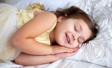 Ini Penyebab Seseorang Mengigau ketika Tidur