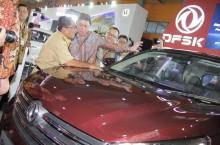 DFSK dan Wuling, Bikin Kejutan di GIIAS Roadshow Makassar