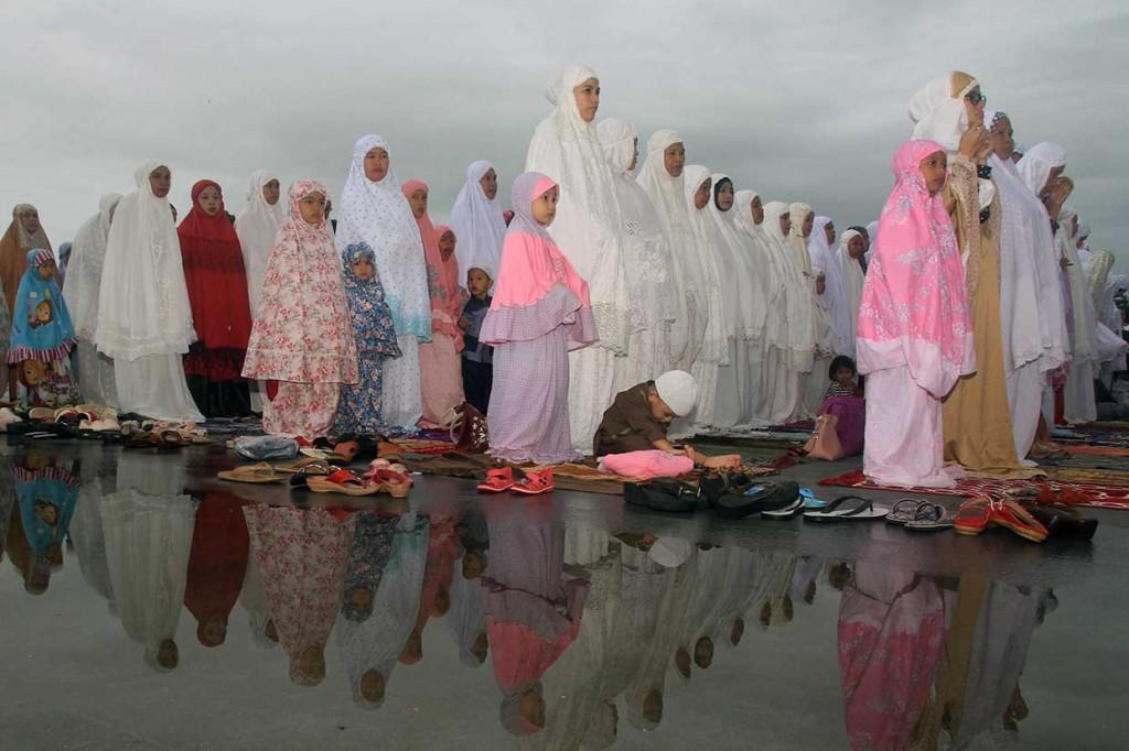 Umat Muslim di Berbagai Daerah Laksanakan Salat Iduladha