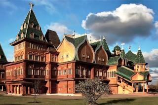 Istana 'pengungsi' di tengah hutan Rusia