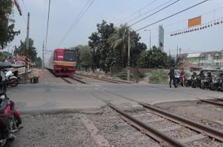 Perlintasan Kereta Disebut Akses Tercepat ke Terminal Bekasi
