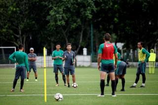 Penggawa Timnas U-23 Berharap Luis Milla Tidak Dipecat