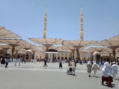 ILUSTRASI: Suasana Masjid Nabawi, Madinah menjelang salat Jumat