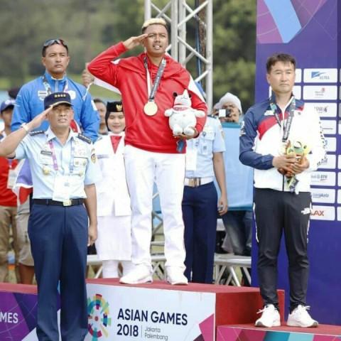 Jafro Megawanto saat meraih medali emas Asian Games 2018 ((Foto: instagram @jafromegawanto)