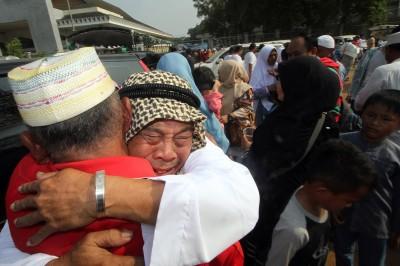 Jemaah Haji Kloter Pertama Tiba di Indonesia