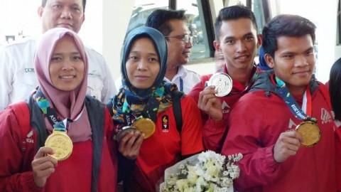 Setahun Meninggalkan Keluarga yang Berbuah Medali Emas