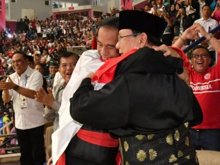Jokowi, Prabowo Watch Asian Games Match Together