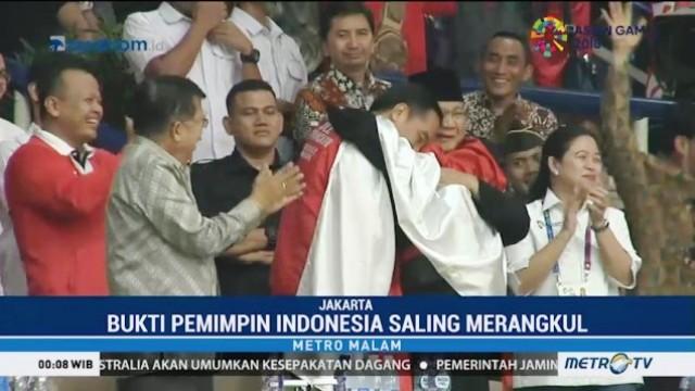 Pelukan Jokowi Prabowo Turunkan Tensi Politik