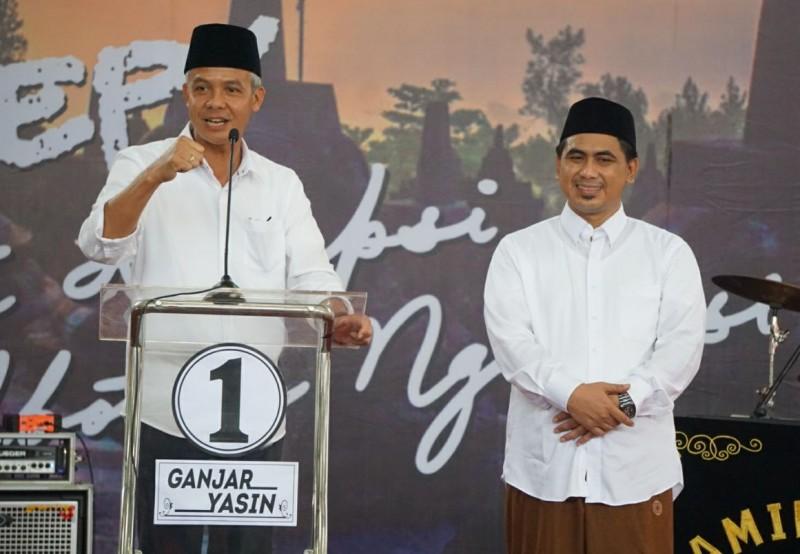 Ganjar Pranowo (kiri) dan Taj Yasin Maimoen. Medcom.id/Budi Arista Romadhoni