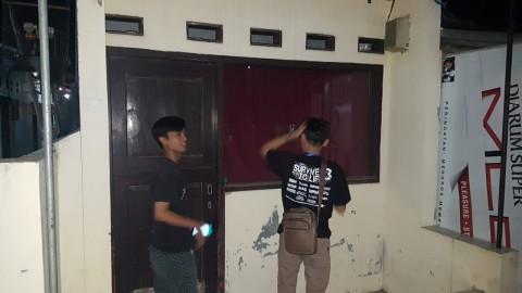 Terduga Teroris Cirebon Pasang Bendera ISIS di Tempat Usahanya