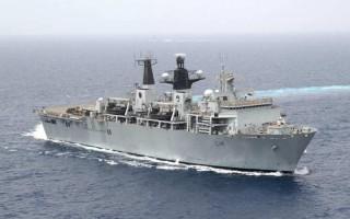 Kapal Perang Inggris Berhadapan Militer Tiongkok di Laut China Selatan