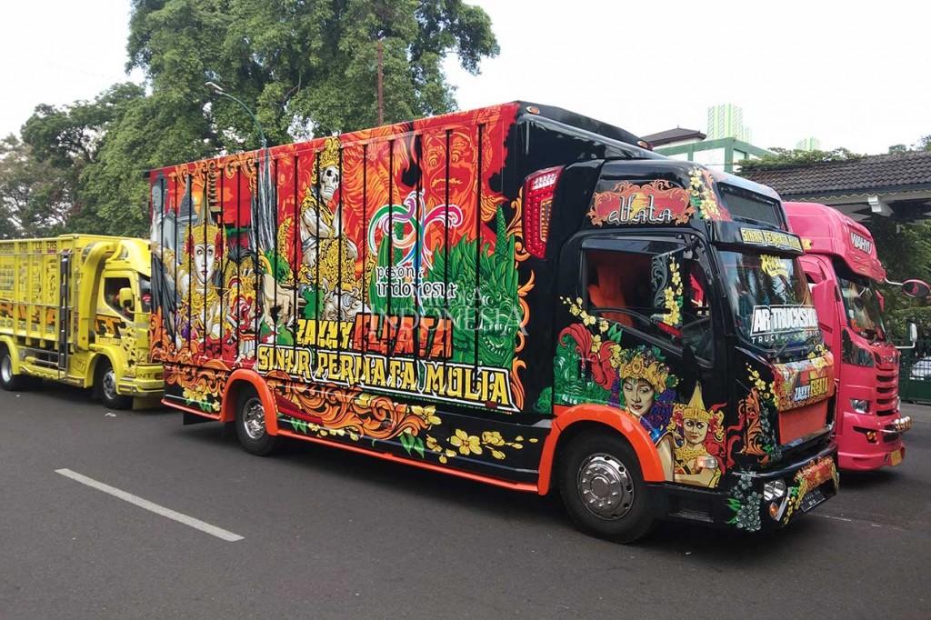 Puluhan Truk 'Cakep' Parade Keliling Kota Yogyakarta