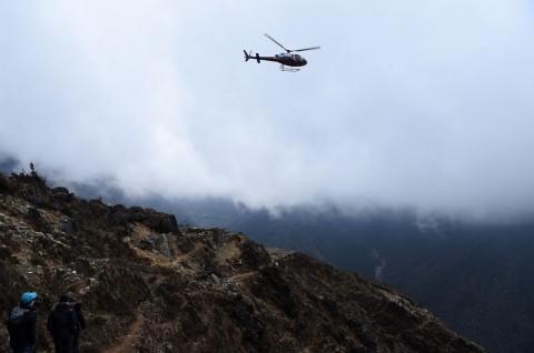 Helikopter Berpenumpang 7 Orang Jatuh di Nepal