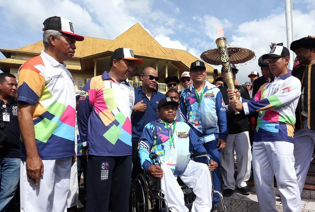 Pawai Obor Asian Para Games di Ternate Gelorakan Kesetaraan Disabilitas