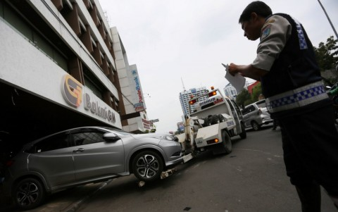 13 Ribu Mobil Diderek karena Parkir Liar