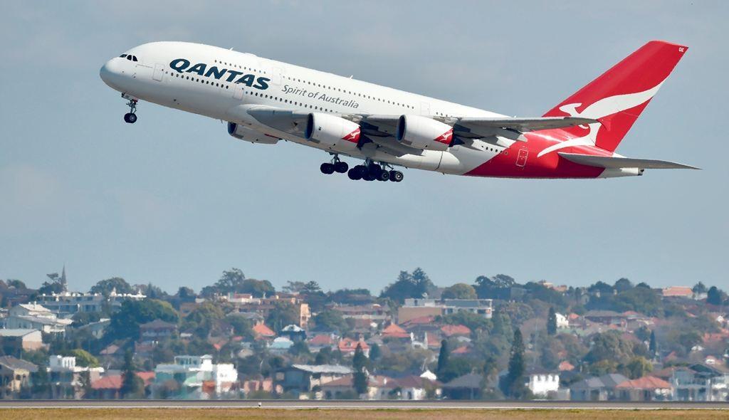 Pesawat Qantas Airlines putar balik karena penumpang berperilaku agresif. (Foto: AFP).