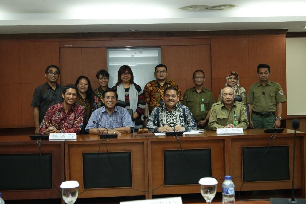Komite II DPD RI dan Kementerian Lingkungan Hidup dan Kehutanan (KLHK) bersama Yayasan Bambu Lestari - - Foto: dok DPR RI