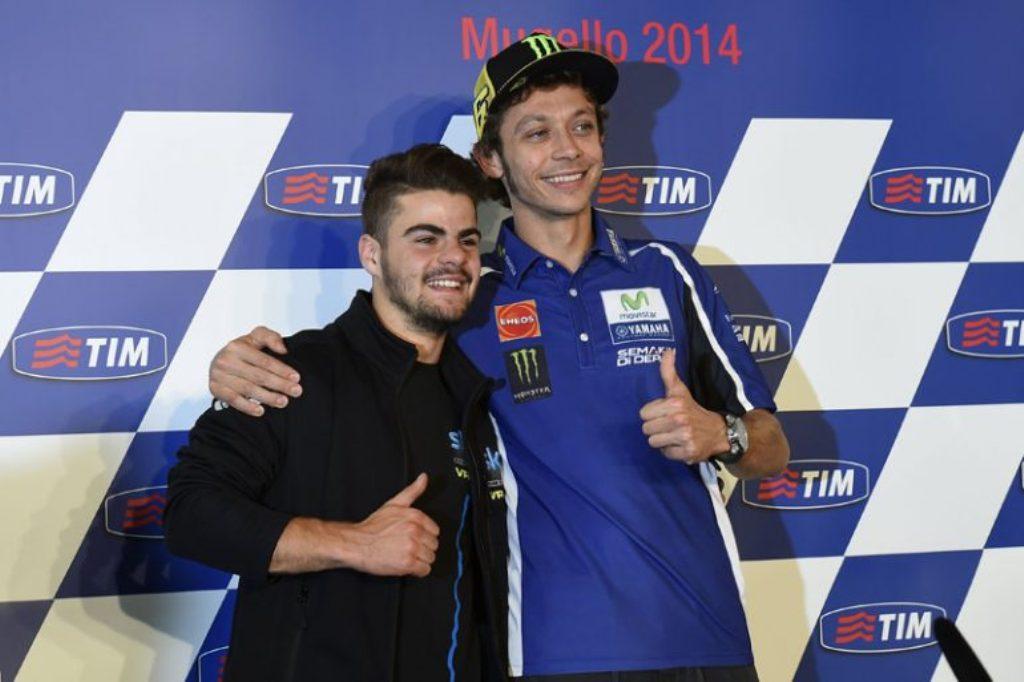Valentino Rossi dan Romano Fenati saat perkenalan tim Sky Racing VR46 di tahun 2014 (Foto: motorlands.eu)