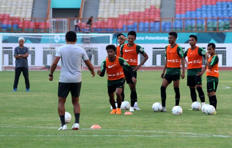 Para pemain Timnas Indonesia melakoni sesi latihan jelang menghadapi Mauritius (Foto: Antara/Risky Andrianto)