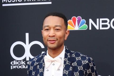 Menang Emmy Pertama, John Legend Raih Status EGOT