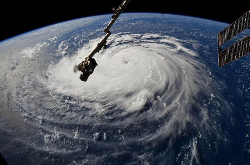 Foto dari ISS memperlihatkan Badai Florence bergerak mendekati Pesisir Timur AS, 10 September 2018. (Foto: AFP/NASA/RICKY ARNOLD)