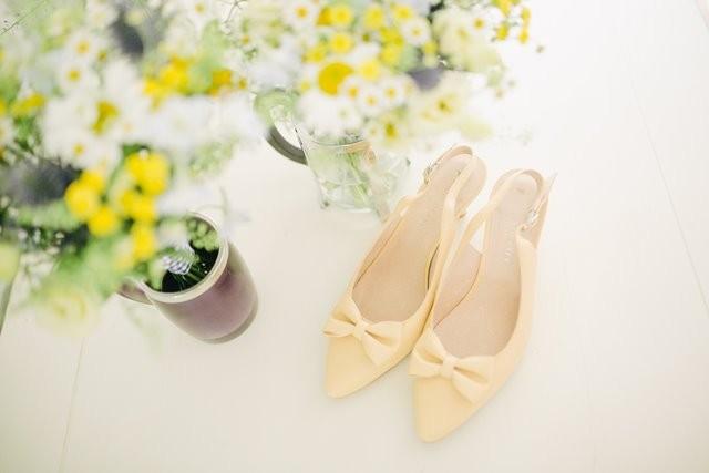Berikut ini adalah dampak yang ditimbulkan jika Anda memakai sepatu sampai ke dalam rumah. (Foto: Photos by Lanty/Unsplash.com)