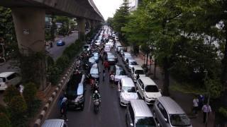 Jalan Iskandarsyah Macet Imbas Demo di Kantor Go-Jek