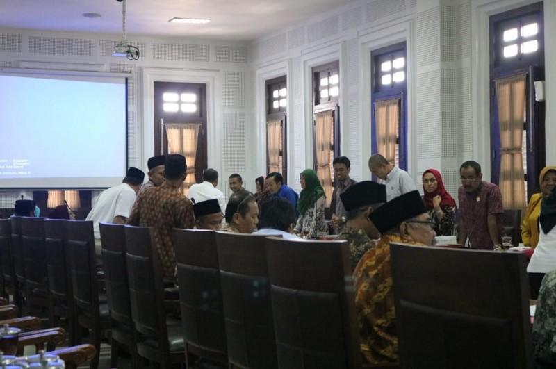 Pertemuan anggota baru DPRD Kota Malang dengan Sekretaris Daerah (Sekda) Kota Malang, Wasto di Gedung DPRD Kota Malang, Rabu 12 September 2018, Medcom.id - Daviq
