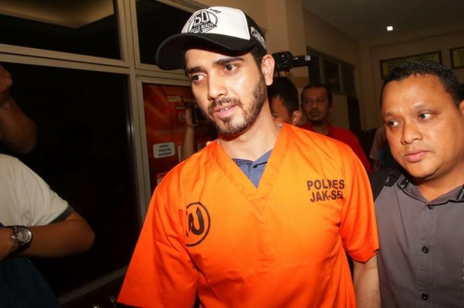 Fachri Albar saat ditangkap karena narkoba (Foto: Antara/Rivan Awal Lingga)