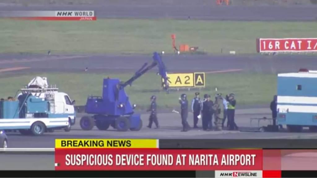 Penemuan benda mirip bom di Bandara Narita, Jepang. (Foto: Channel News Asia).