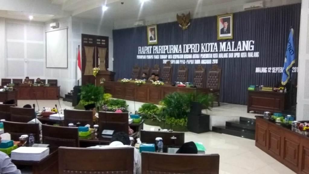 Rapat paripurna DPRD Kota Malang, Rabu, 12 September 2018 malam.