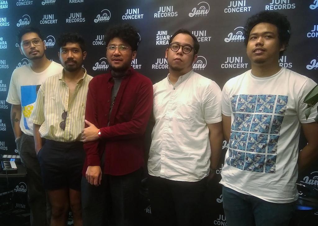 (kiri-kanan) Petra Sihombing, Bam Mastro, Kunto Aji, Ankadiov Subran dan Anugrah