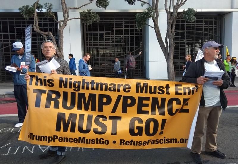 Protes menentang komesialisasi isu iklim di San Francisco, Amerika Serikat (AS). (Foto: Irena Pretika).