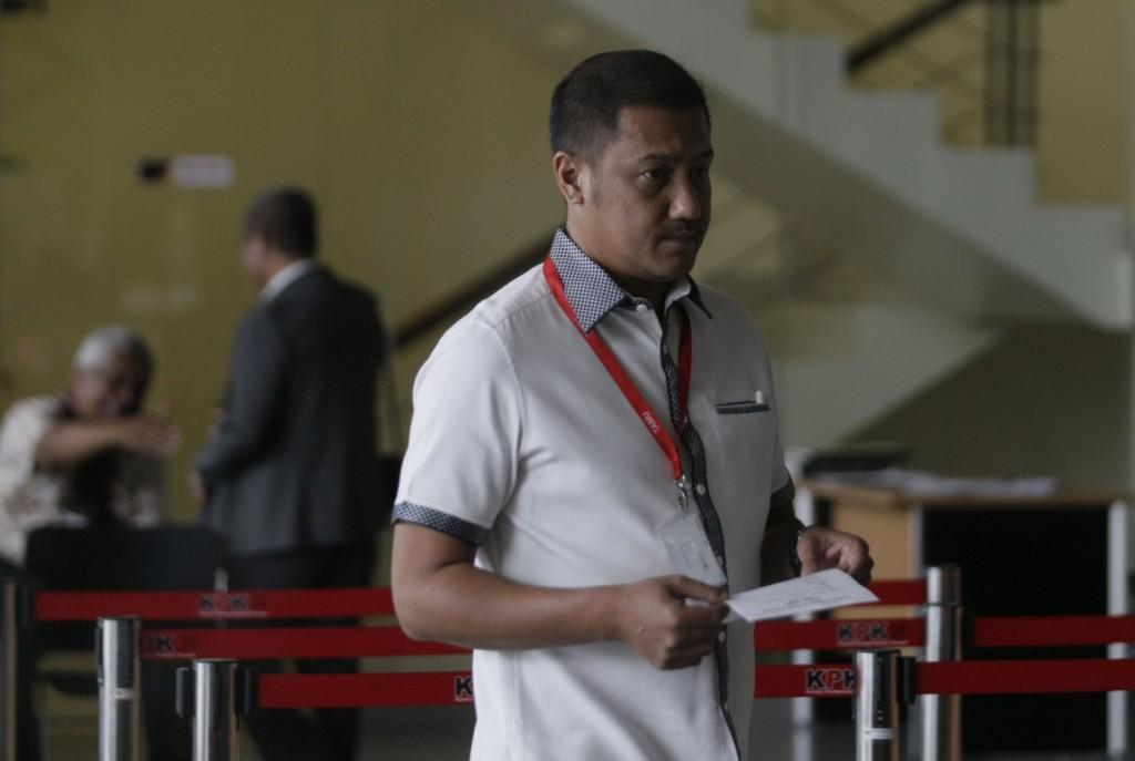 Mantan Suami Tamara Bleszynski, Teuku Rafly Pasya, saat akan menjalani pemeriksaan di Gedung KPK. Foto: MI/Ramdani.