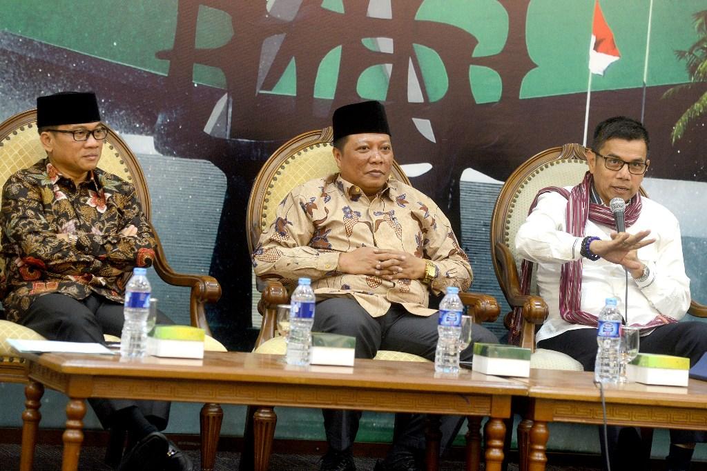Anggota Komisi X DPR RI, Nizar Zahro (tengah), MI/Susanto.