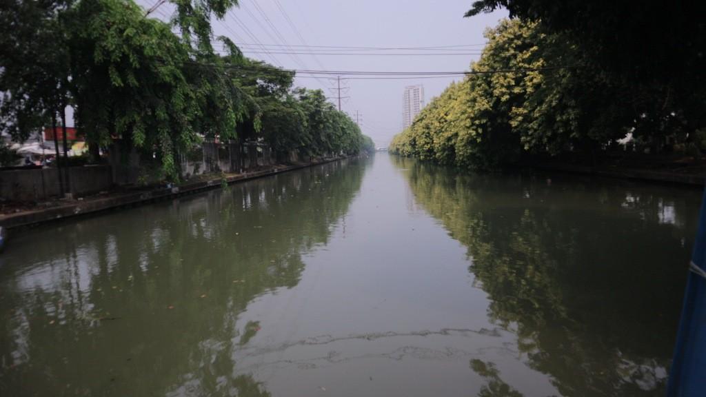 Aliran Kalimalang di dekat Gerbang Tol Bekasi Timur. Medcom.id/Antonio