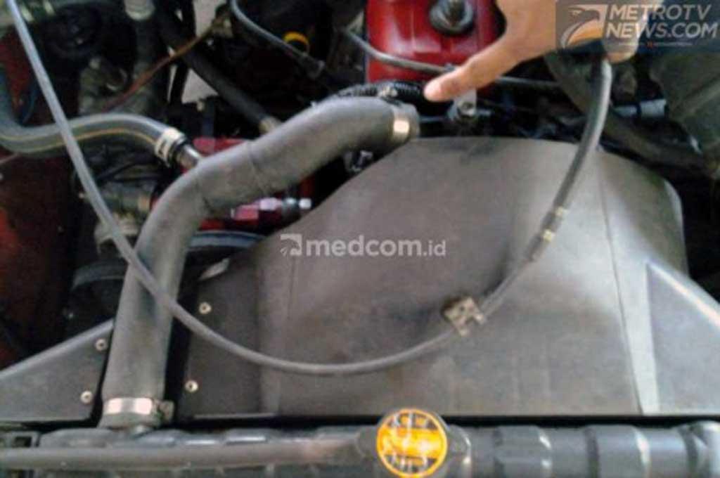 Shock selang radiator yang sudah berumur, juga bisa jadi penyebab berkurangnya air radiator. Medcom.id/M Bagus Rachmanto