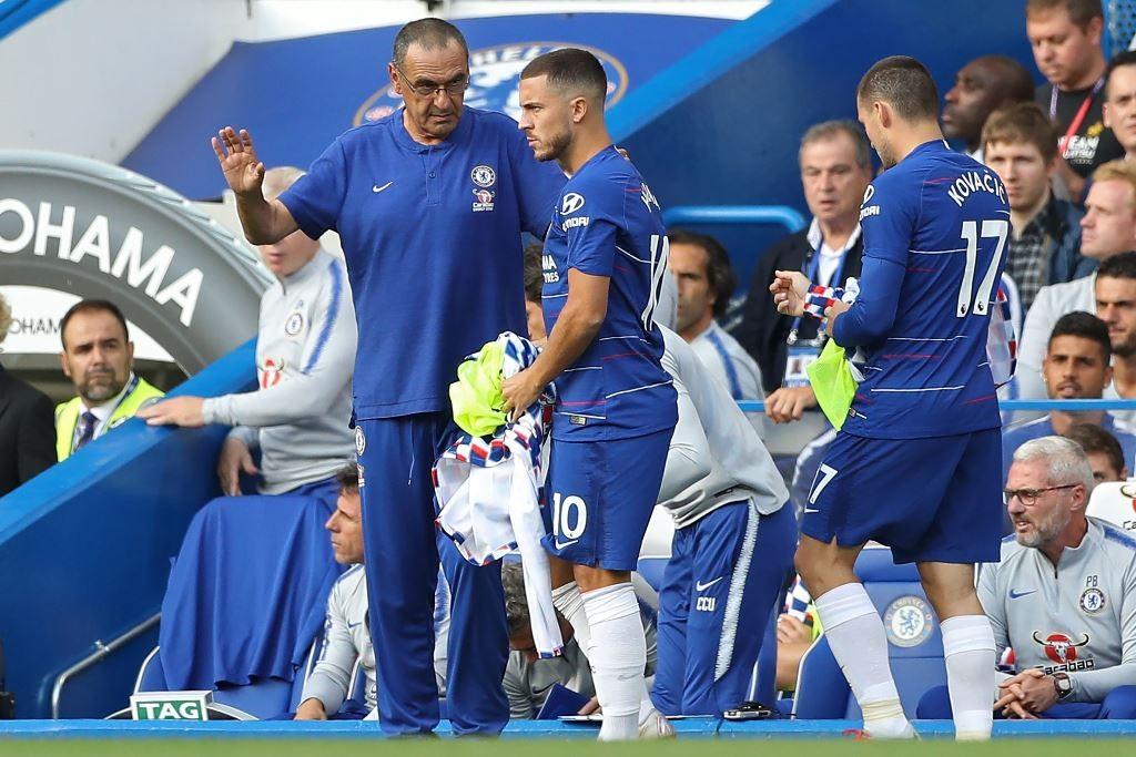 Eden Hazard dan Maurizio Sarri (Foto AFP/DANIEL LEAL-OLIVAS)