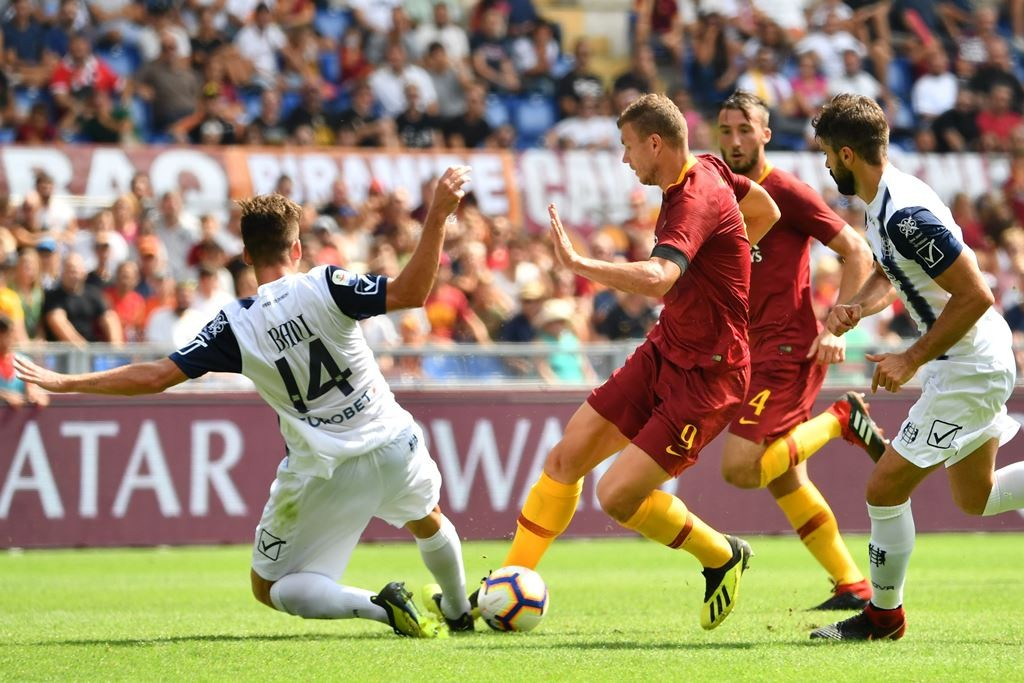 AS Roma vs Chievo (Foto:AFP/ALBERTO PIZZOLI)
