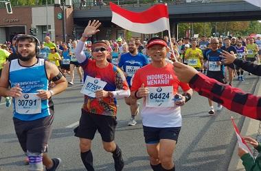 Dian Sastro dan 411 WNI Ramaikan Berlin Marathon 2018