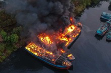 Lima Kapal Nelayan Pekalongan Ludes Terbakar