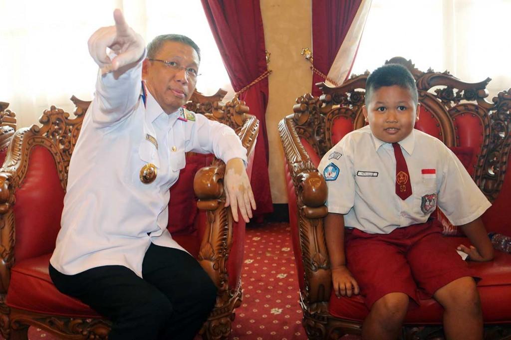 Nursaka Dicarikan Orang Tua Asuh untuk Sekolah di Pontianak