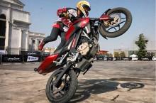 Stunt Riders, Lakon Hobi Risiko Tinggi