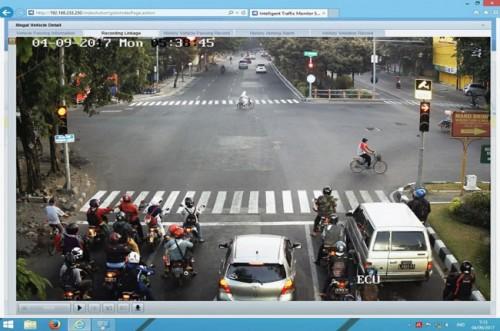 Rekaman Dinas Perhubungan Surabaya di centre CCTV --