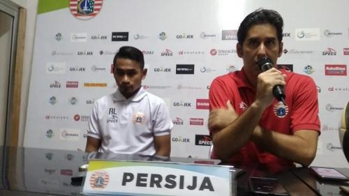 Pelatih Persija Stefano Cugurra Teco dan Ramdani Lestaluhu