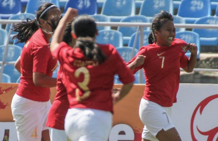 Para pemain Timnas U-16 putri merayakan gol ke gawang Palestina (Foto: PSSI)