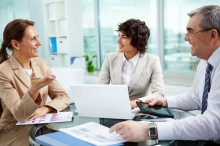 Tujuh Hal yang Sebaiknya Tidak Dibicarakan di Tempat Kerja